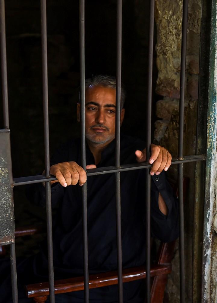 El doctor Muzaffar Ghangro está preso. Quieren saber si infectó a propósito a la gente (AFP).