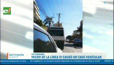 Micro de la línea 51 se metió en contra ruta y generó un caos vehicular