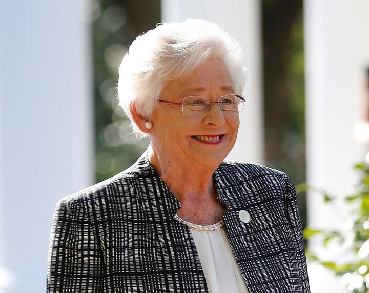 En las manos de la gobernadora republicana Kay Ivey, está en manos si entra o no el proyecto aprobado por el legislativo (AP).
