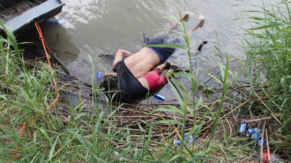 Valeria y su papá: el drama de los migrantes centroamericanos en una sola foto