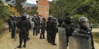 Cocaleros van al bloqueo y Rada amenaza con desarticular Adepcoca
