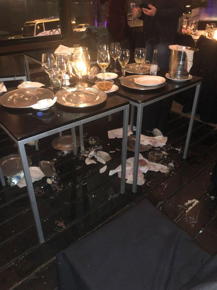 Los destrozos en el restaurante de Montevideo