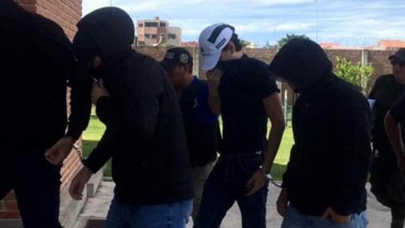 Padres de víctima de La Manada se indignan por absolución de uno de los acusados