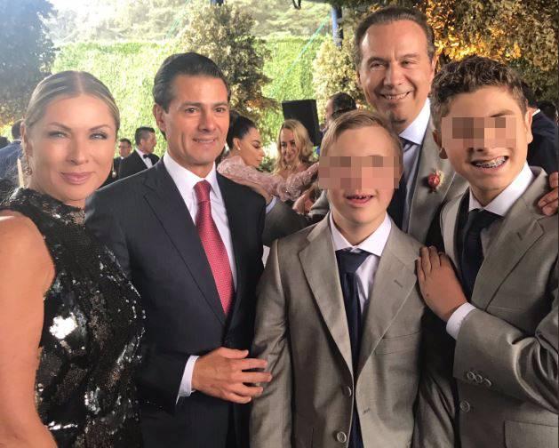 El ex presidente Peña Nieto, junto a Collado y sus hijos (Foto: Twitter)