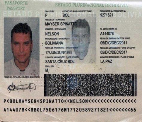 El pasaporte con la identidad falsa del vicepresidente del club Blooming, Nelson Mauriel.