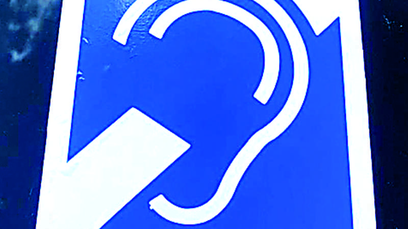 Emitirán licencias de conducir para personas sordas