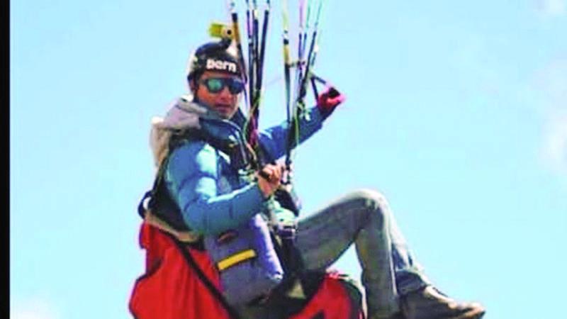 Parapentista salva a extranjero antes de precipitarse a tierra; el joven boliviano muere tras heroica acción