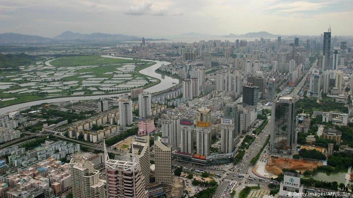 El río Sheung-Yue marca la frontera entre Shenzen y Hong Kong.