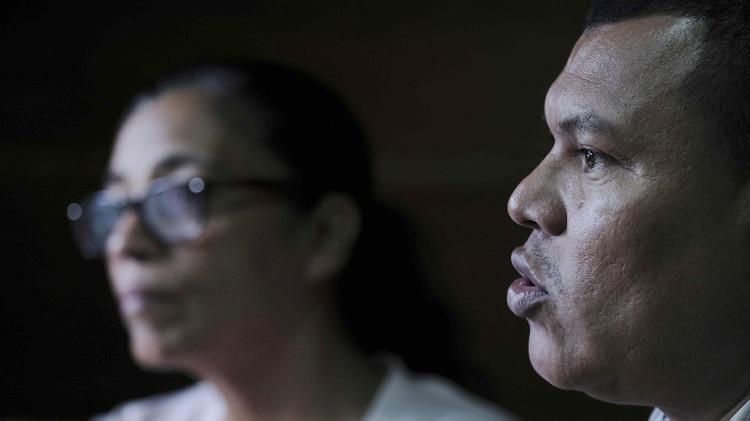 """Constantino Rommel, indígena miskitu de la comunidad Francia Sirpi, habla durante la presentación del informe """"Resistencia miskitu: una lucha por el territorio y la vida"""" elaborado por la organización Centro por la Justicia y el Derecho Internacional (Cejil), este martes en San José (Costa Rica)(EFE/Jeffrey Arguedas)"""