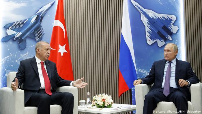 Putin pacta con Erdogan combatir a terroristas en Idlib