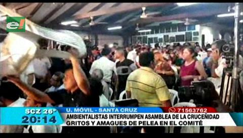 Ambientalistas generaron momento de tensión al interrumpir Asamblea de la Cruceñidad