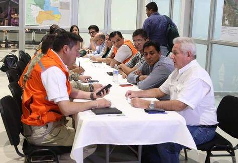 El ministro Zavaleta y el gobernador Costas analizan un posible plan conjunto para aplacar el fuego en la Chiquitanía.