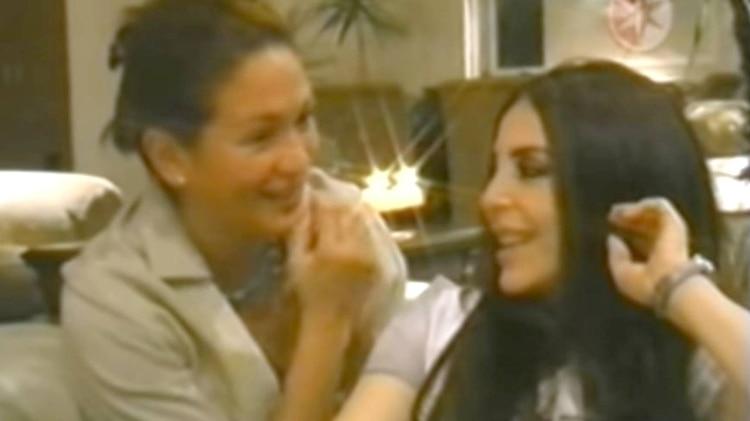 """Yolanda Andrade entrevistó a Verónica Castro en 2003 para el programa """"Las hijas de la madre tierra"""" (Foto: Unicable)"""