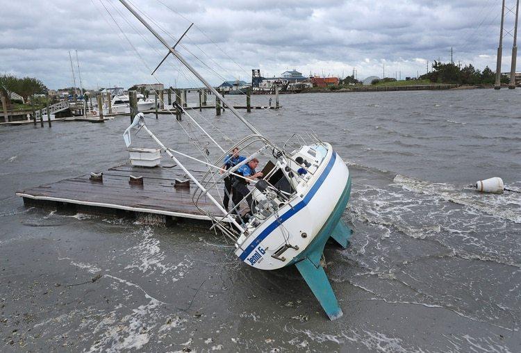 El huracán Dorian dejó extensos daños (Foto: AP)