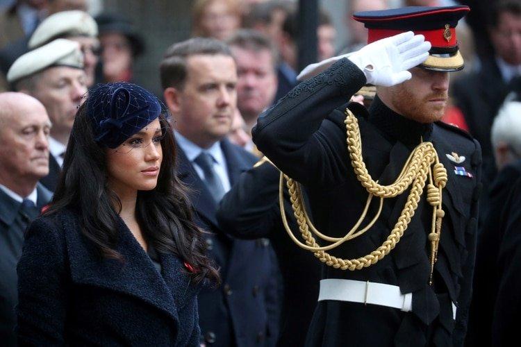 Harry y Meghan rindieron homenaje a los caídos en tiempos de guerra en Westminster Abbey en Londres