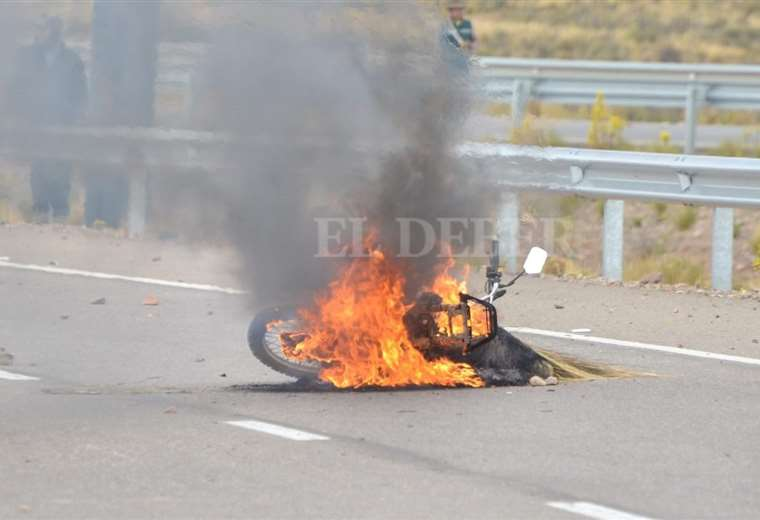 La emboscada en Oruro en imágenes - eju.tv