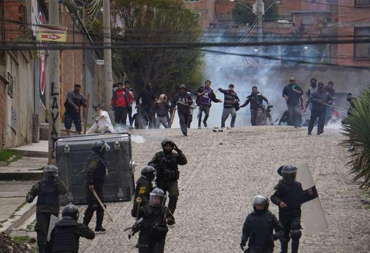 La situación es tensa en la sede de Gobierno I Foto: APG Noticias.