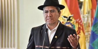 Cinco ministros del gabinete de Evo no renuncian aún