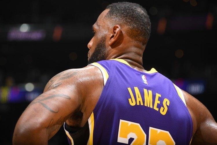 La descomunal volcada de LeBron James que revolucionó a la NBA