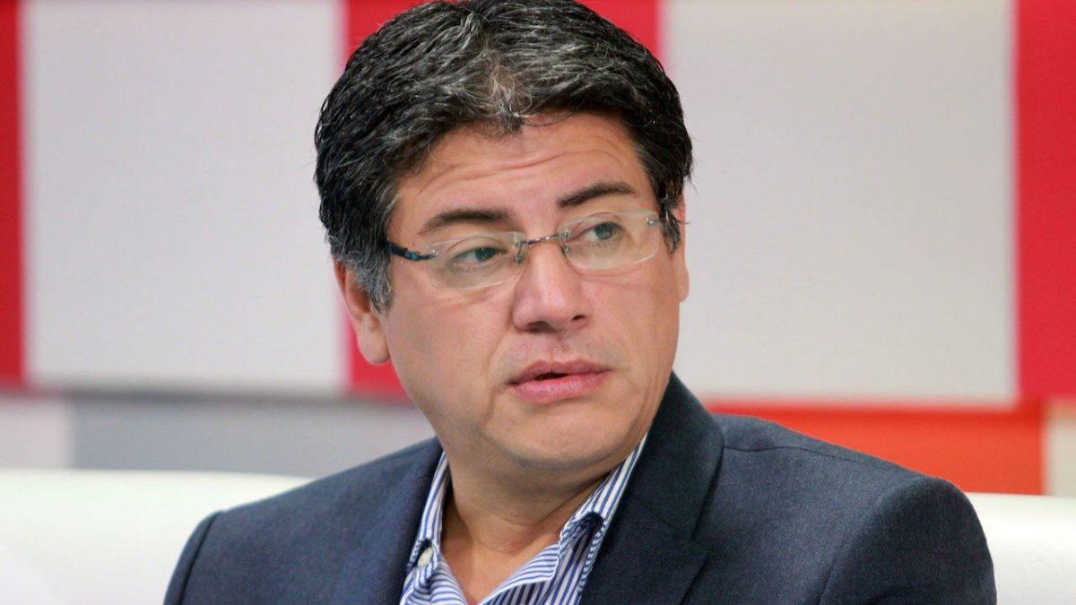 Presidenta de Bolivia releva de su cargo a influyente ministro