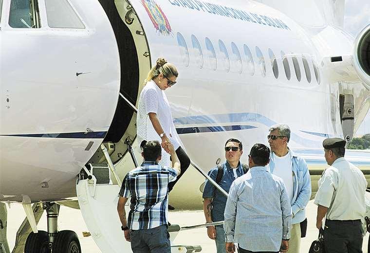 Viajes del avión presidencial bajaron de cinco al día con Evo, a cuatro al mes con Jeanine
