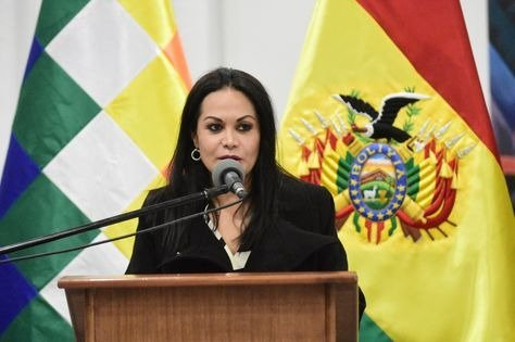 Renuncia la ministra de Comunicación, Roxana Lizárraga, y cuestiona al Gobierno de Jeanine Añez