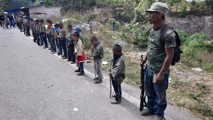 Presentan a niños comunitarios en Chilapa, Guerrero (Foto: Cuartoscuro)