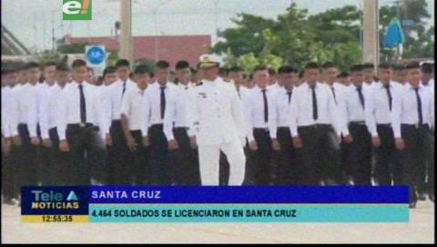 Ministro de Defensa participó del licenciamiento de soldados y marineros del Primer Escalón 2019 en Santa Cruz
