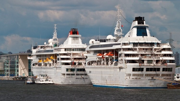 Foto de archivo del crucero británico MS Braemar (Shutterstock)
