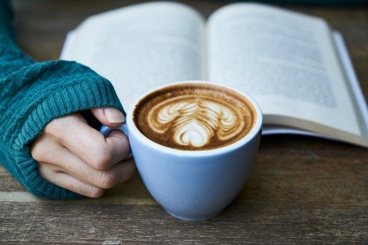 El café y el chocolate aunque no son productos básicos, se recomiendan para promover el bienestar ante casos de contingencias (Foto: Archivo)