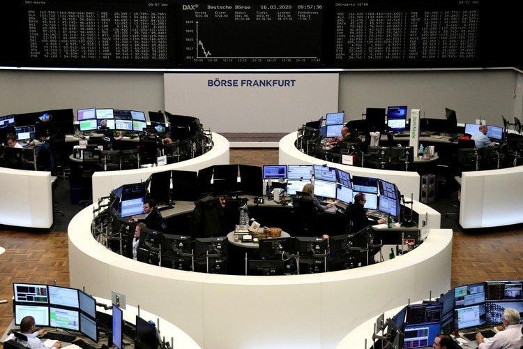 La bolsa germana de Frankfurt sufre fuertes pérdidas este lunes (REUTERS/Staff)
