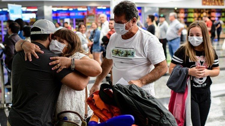 El gobierno nacional tomó medidas restrictivas para enfrentar el avance del coronavirus (Photo by Ronaldo SCHEMIDT / AFP)