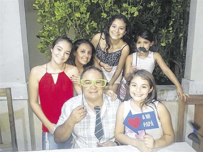 El médico Tito Hurtado compartirá un churrasco con su mujer, sus hijas y sus yernos en su casa