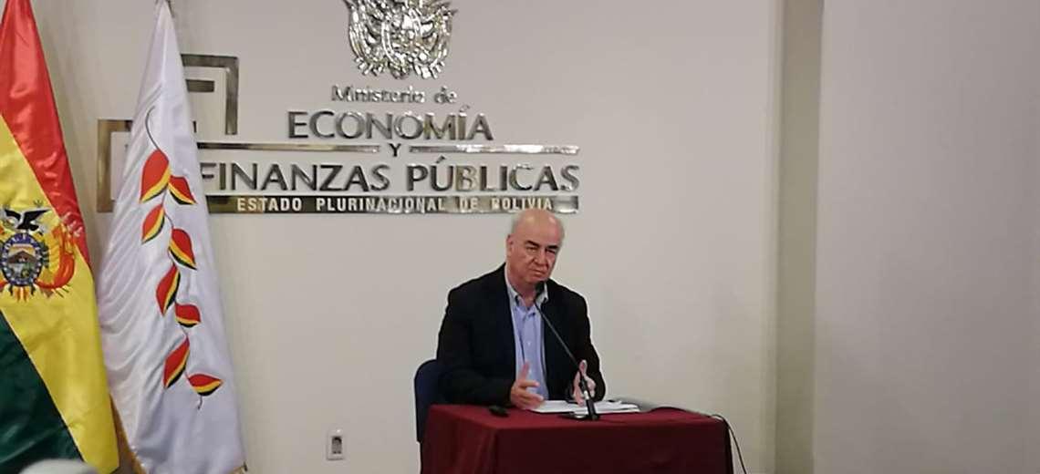 La autoridad en conferencia de prensa I Foto: Marcelo Tedesqui.