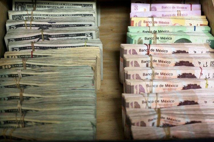El peso mexicano en un nuevo mínimo histórico frente al dólar (Foto: REUTERS/Jose Luis Gonzalez