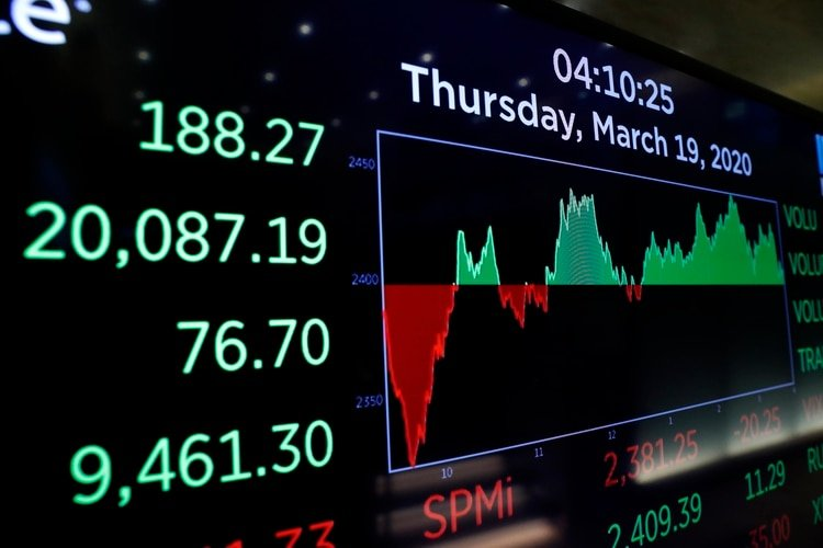 La sesión del jueves en Wall Street terminó en verde luego de mucha volatilidad (REUTERS/Lucas Jackson)