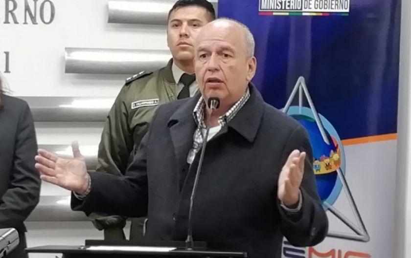 """Ministro advierte con declarar """"estado de sitio"""" donde no se acate la cuarentena"""