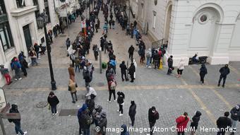Chile Auszahlung Rentenversicherung (Imago Images/Aton Chile/M. Hernandez)