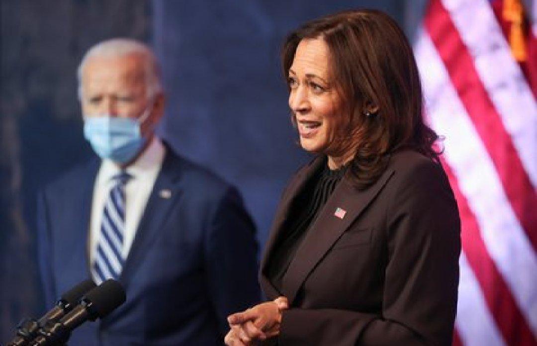 Biden junto a Kamala Harris, la vicepresidente electa. Foto: REUTERS/Jonathan Ernst