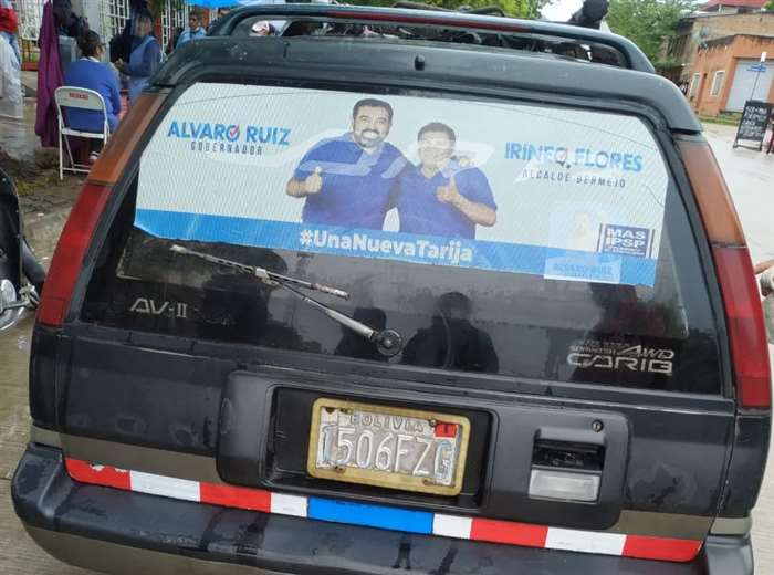 Una funcionaria del TED se encontraba en este vehículo. Foto: David Maygua