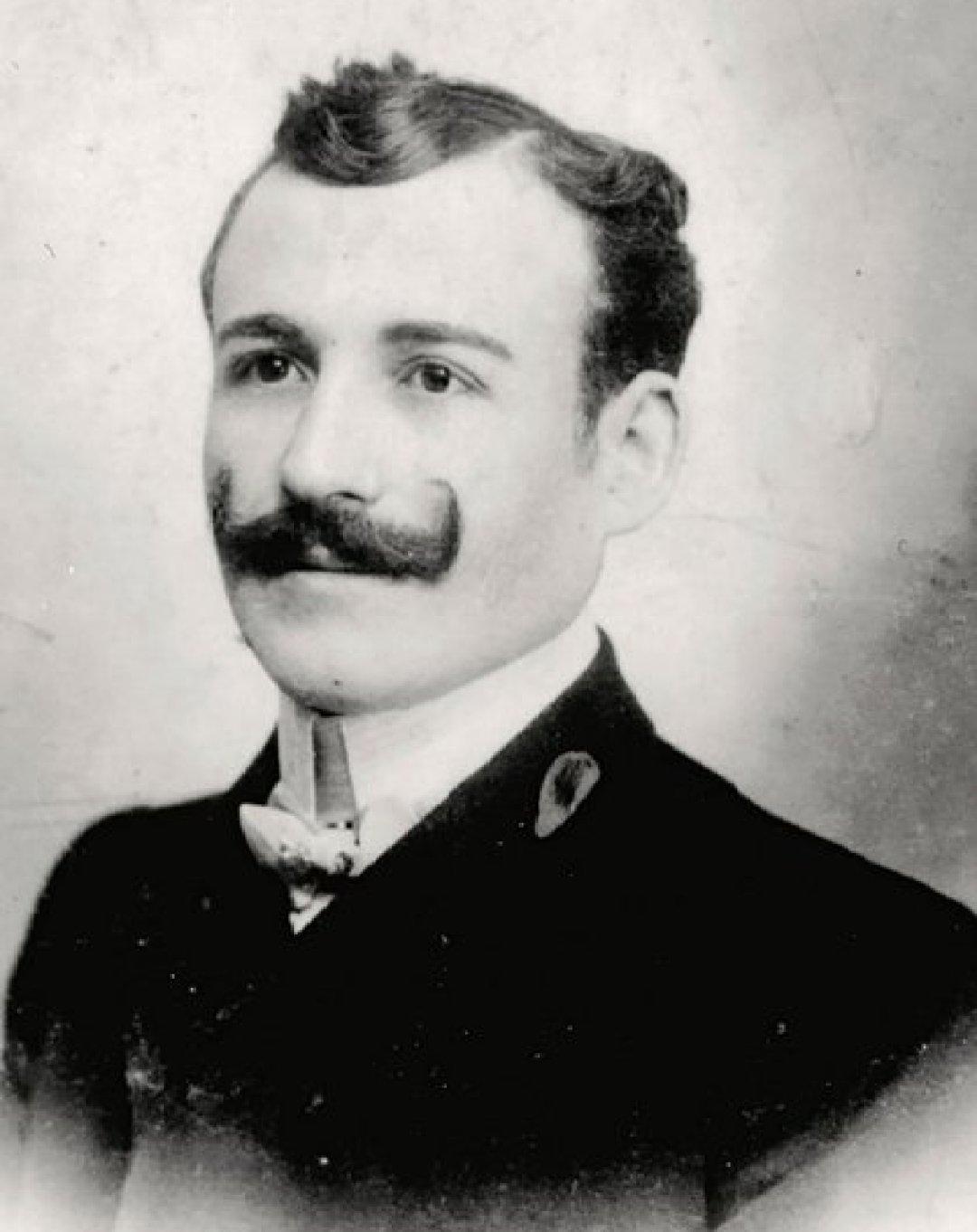 Michel Narvratil, el padre de los niños, murió en el naufragio. Luego se descubrió que viajaban con nombres falsos y él los había secuestrado para alejarlos de su madre