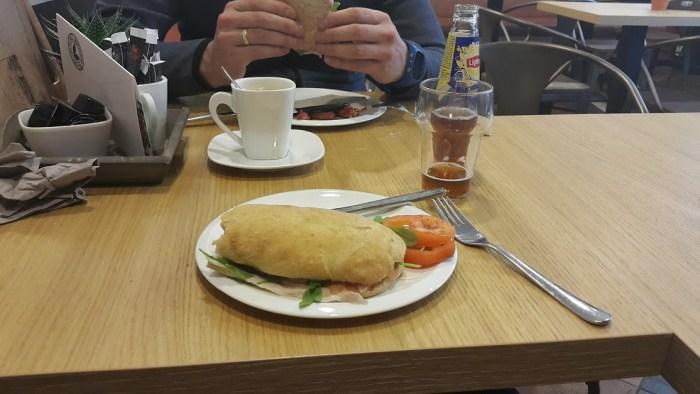 Broodje eten
