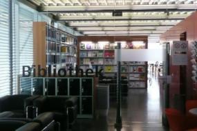 Biblioteka P1050745