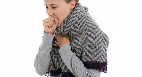 أعراض وأسباب الكحة المستمرة