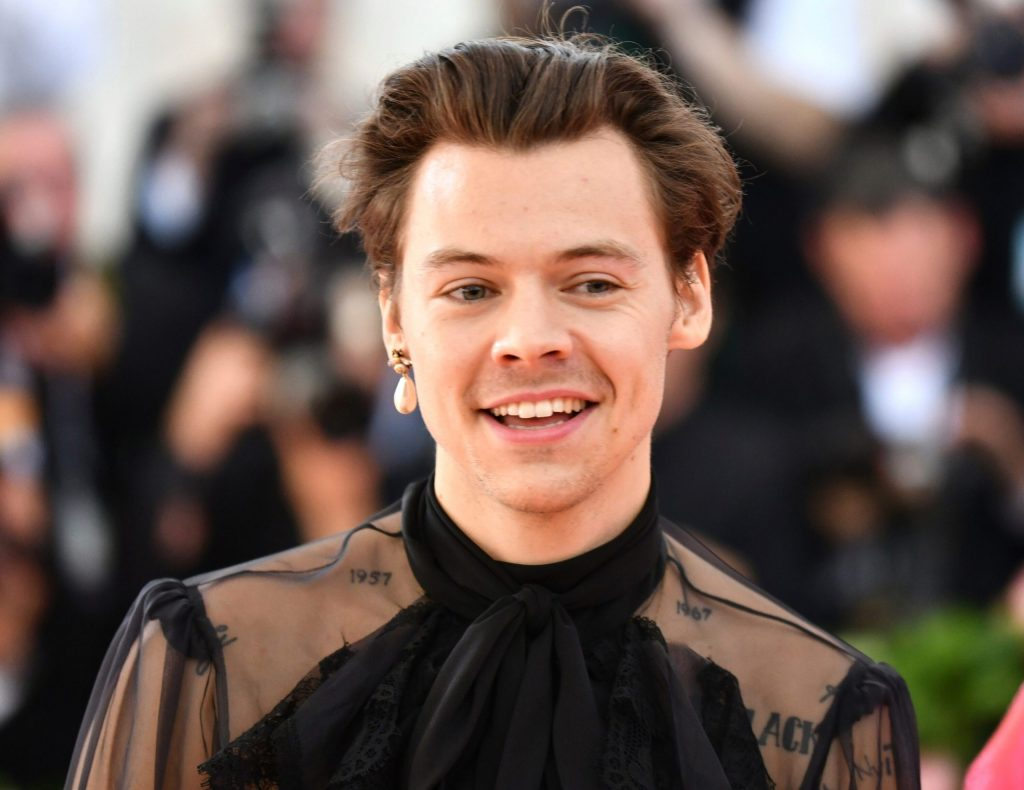 harry-styles-to-replace-shia-labeouf-in-olivia-wilde's-'don't-worry,-darling':-report