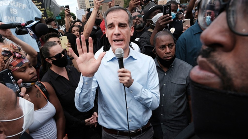 los-angeles-mayor-calls-protests-outside-hospital-treating-wounded-sheriffs-'abhorrent'