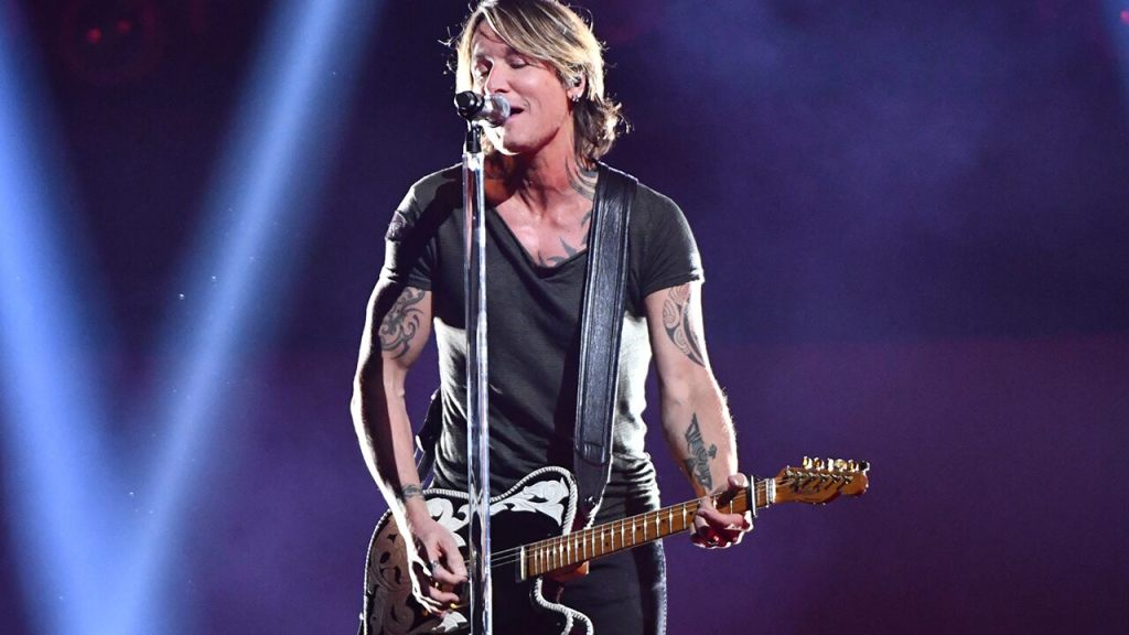 keith-urban-reveals-piece-of-advice-that-helped-him-out-of-covid-19-quarantine-slump