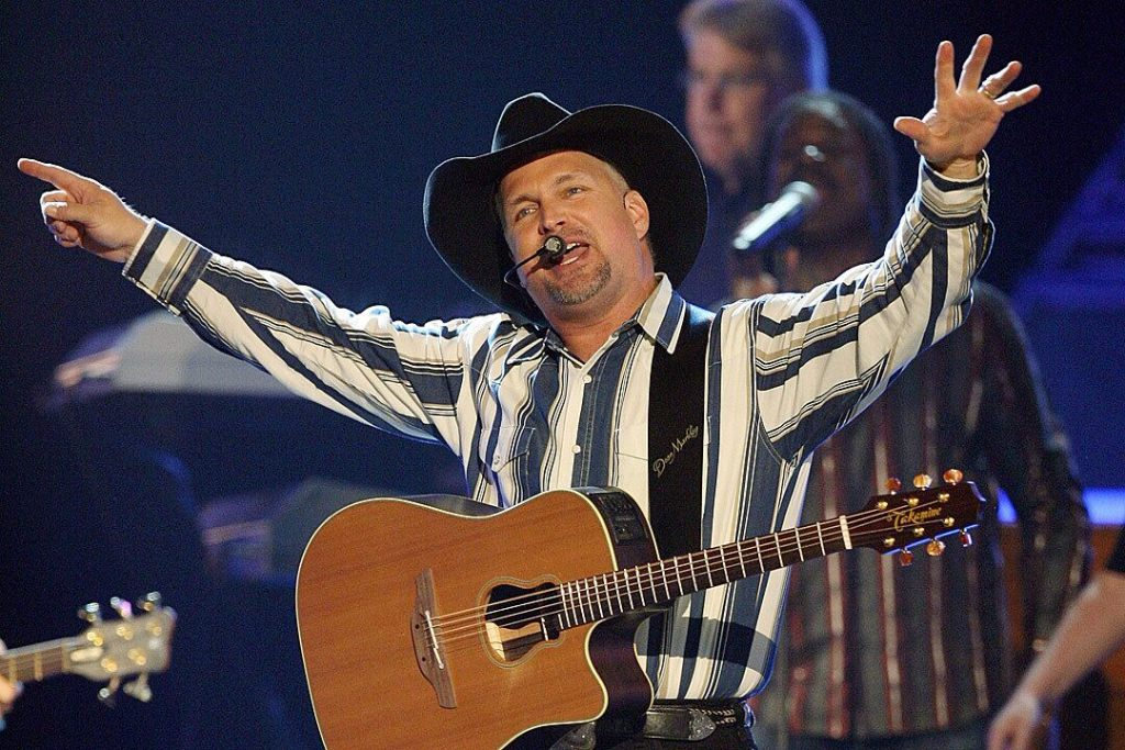 garth-brooks-talks-decision-to-pull-his-name-from-the-cma-'entertainer-of-the-year'-category