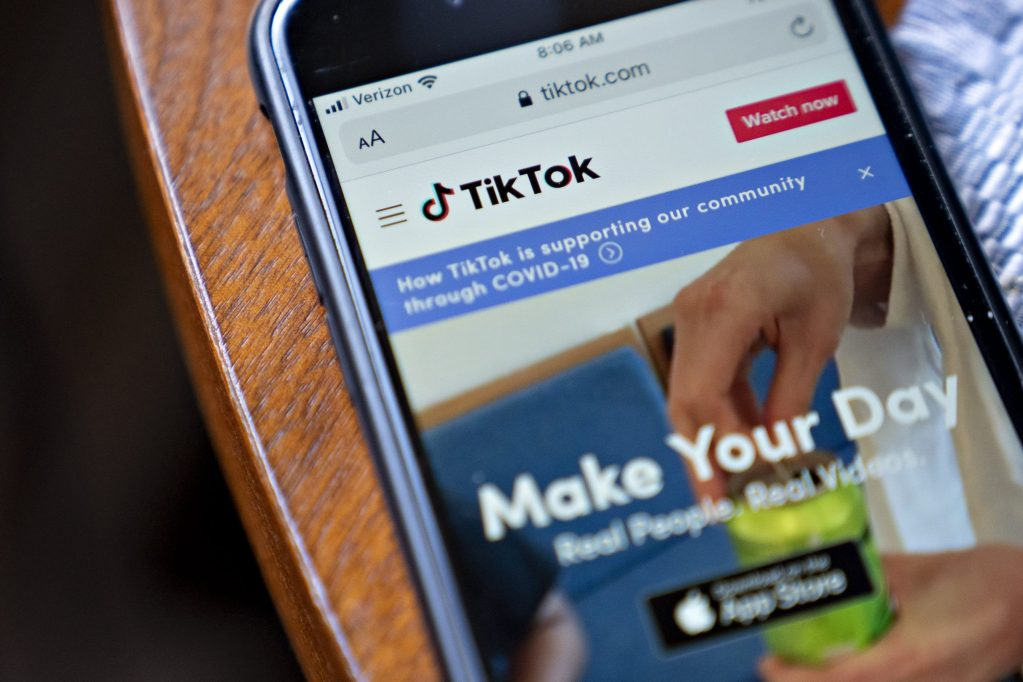 tiktok-relying-on-trump-to-back-off-original-demand-to-sell-us.-business-and-approve-oracle-deal