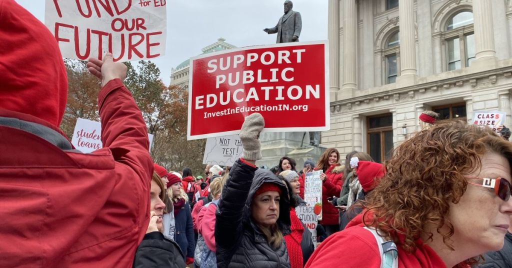 Indiana teacher pay report seeks cost cuts from districts — and millions more in state funding